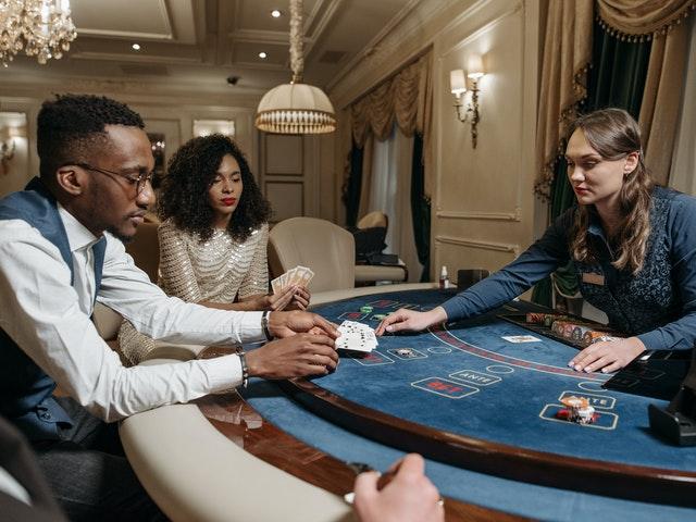 ポーカーでリーグを始める